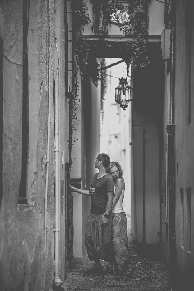 engagement session in Granada Spain